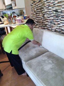 Sofa Anda akan bersih dan wangi.